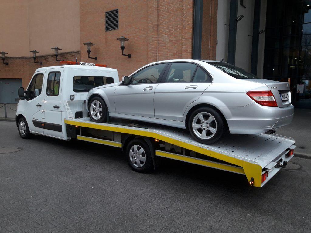auto na lawecie w Magdeburgu